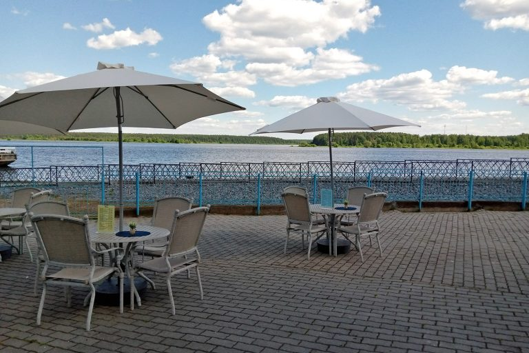 Летняя площадка ресторана ГЦО «Мышк Инн»